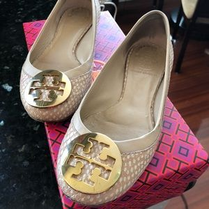 Tory Burch flats with gold logo